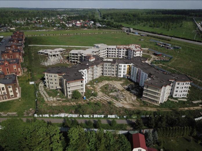 Разрешение на строительство дома № 1  переоформлено на Фонд